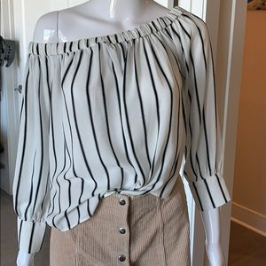 F21 black and white blouse size M